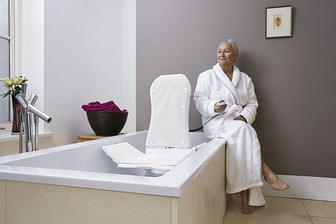 Sanitätshaus Hamel Teaser Reha Technik Badeliftsystem